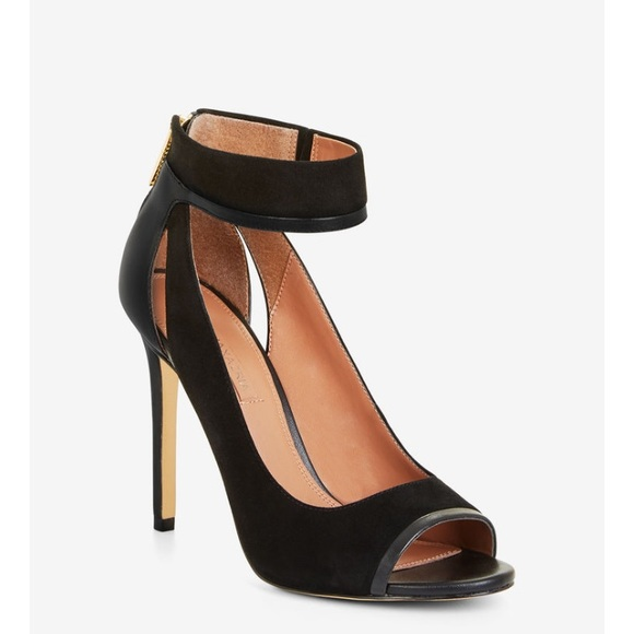 37e1e98a8181 BCBGMAXAZRIA 5.5 Charlotta Suede Sandal Black